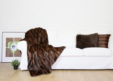 Decorative faux fur bedspread ROMANTIC BRUNETTE